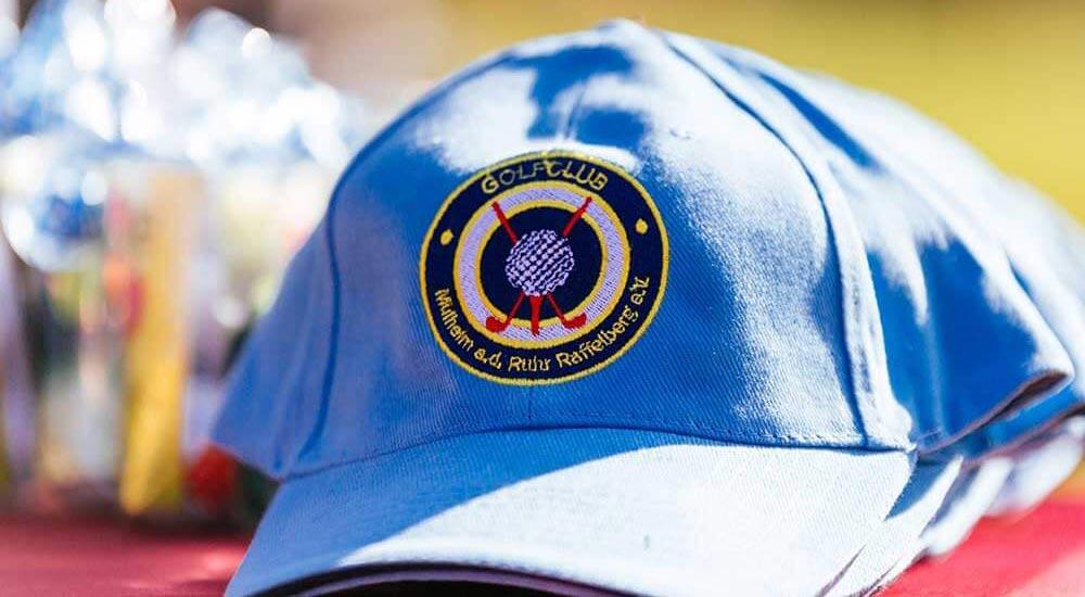 Kappe mit Golfclub-Logo